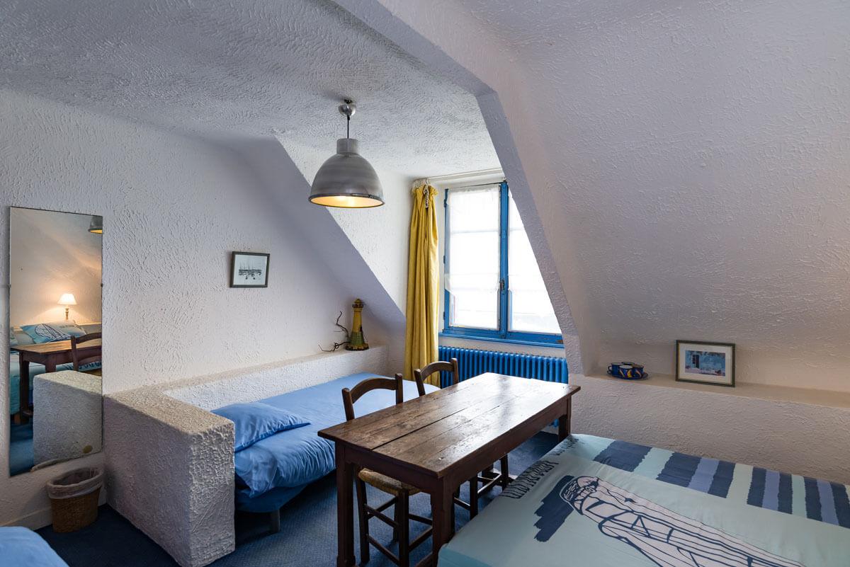Chambre familiale de l'Hôtel Auberge du Pecheur à Groix