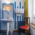 Chambre avec lavabo de l'Hôtel Auberge du Pecheur à Groix