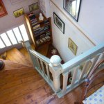Escalier principal des Chambres d'hôtes la Marée Douce à Groix
