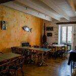 Salle de restaurant de la Crêperie des îles à Groix