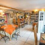 Salle de restaurant le Cinquante à Groix