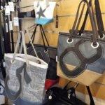 Les sacs de la boutique Carnet de Bord à Groix
