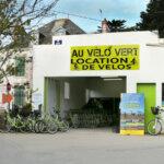 Au Vélo Vert locations de vélos dans la montée du Port Tudy à Groix