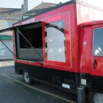 Camion des Pizzas du Caillou pizzas à emporter dans le bourg de Groix