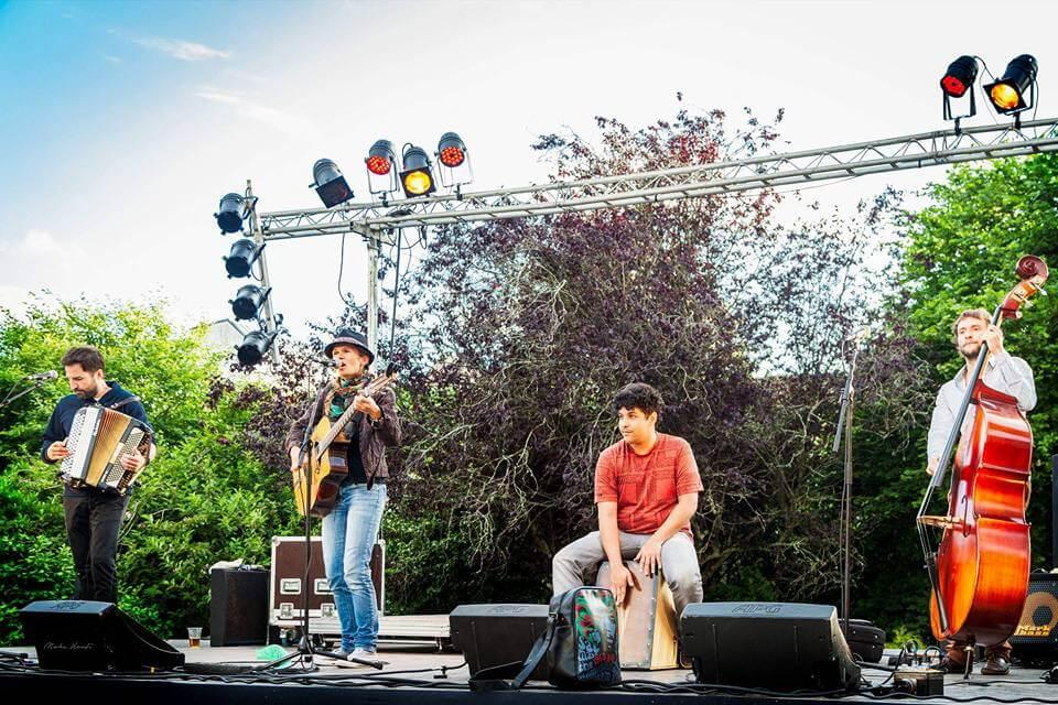 Concert Swing Minouche au Mojo à Groix