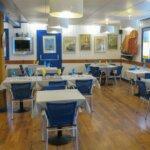 Salle Intérieure du Restaurant O Thon Bleu de l'île de Groix